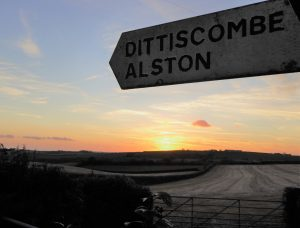 Sign to Dittiscombe