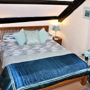Kingsize bed in Buddleia at Dittiscombe